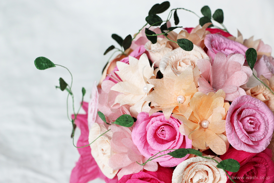 ツル系グリーンアレンジの和紙ブーケ・花束(紙婚式ペーパーフラワー)お花全体アップ