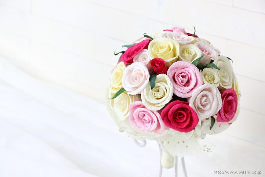 赤・白・黄系バラの和紙ブーケ・花束(紙婚式ペーパーフラワー)上からの写真