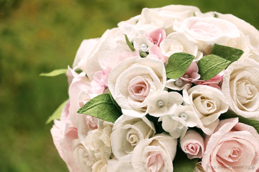 白と淡いピンクの和紙ブーケ・花束(紙婚式ペーパーフラワー)花部分アップ