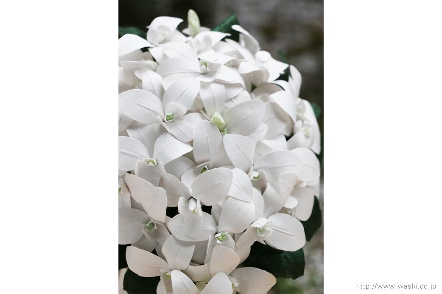 白いデンファレの和紙ブーケ・花束(紙婚式ペーパーフラワー)お花全体アップ