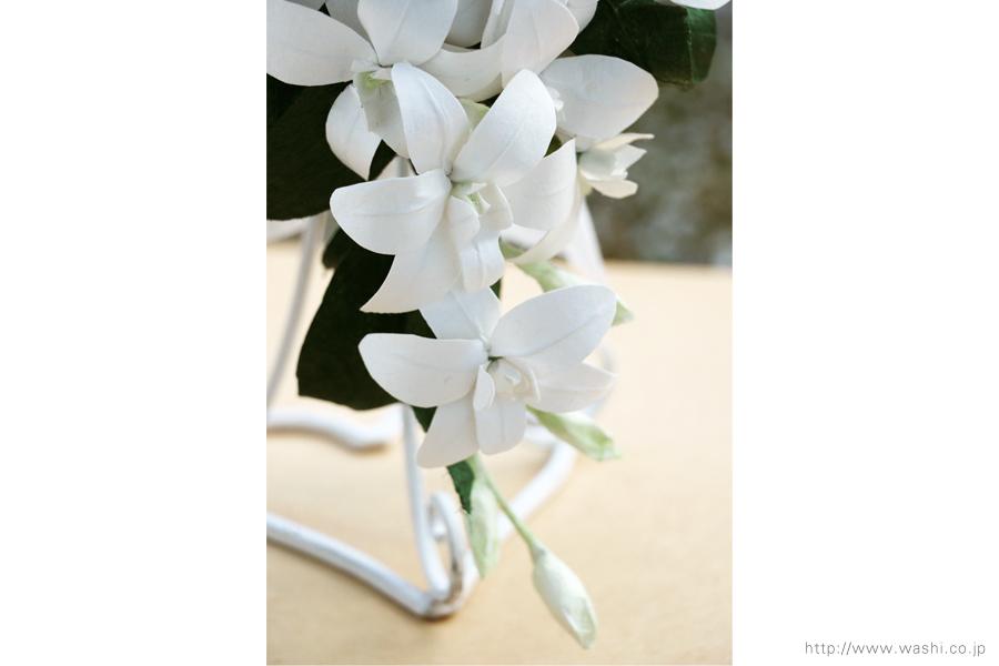 白いデンファレの和紙ブーケ・花束(紙婚式ペーパーフラワー)花部アップ