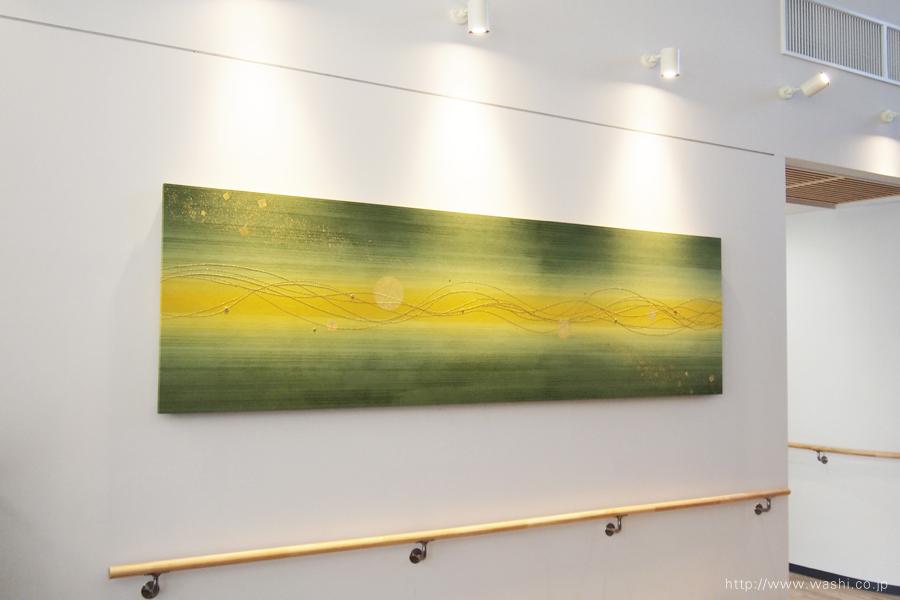 グリーン系のホスピタル和紙アートパネル(左斜めから撮影)