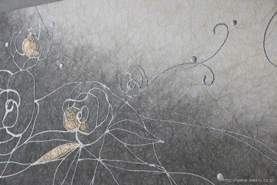 バラ柄の和紙インテリアアートパネル(墨染めベース)アップ写真