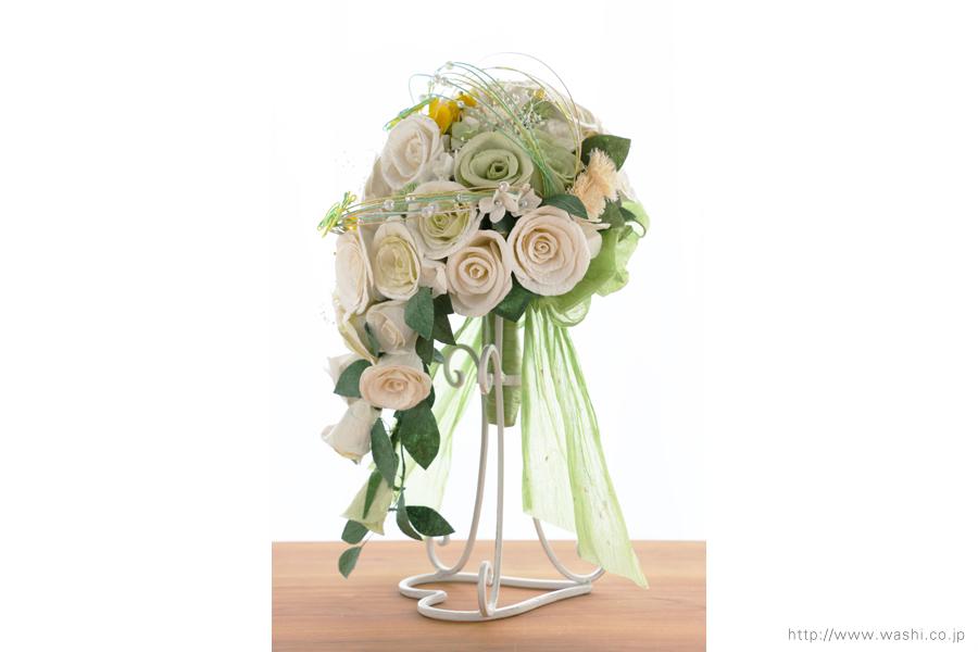 菜の花の和紙ウェディングブーケ(横からの写真)結婚式用