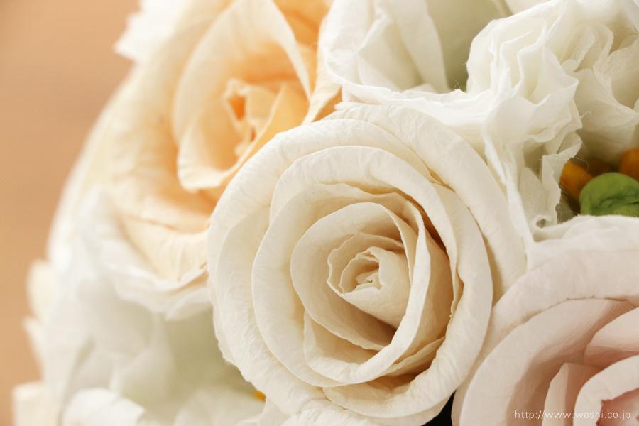 世界に一つだけのバラとトルコ桔梗の和紙ブーケ・花束(紙婚式ペーパーフラワー)アップ