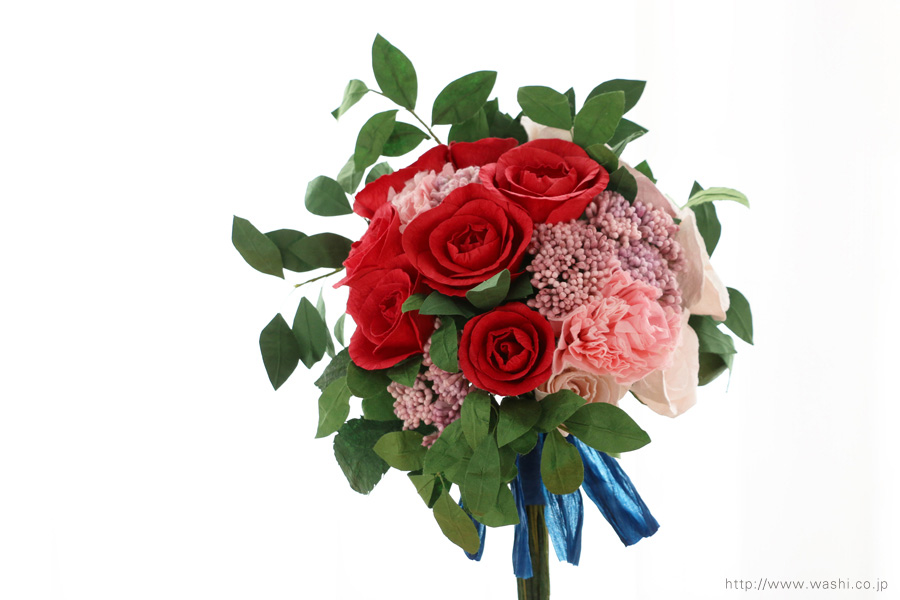 深紅のバラとライスフラワー、トルコ桔梗の和紙ブーケ・花束(結婚1周年、紙婚式のペーパーフラワー)正面アップ