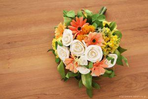 ガーベラ、菜の花、タンポポのビタミンカラー和紙ブーケ・花束(退職祝いのペーパーフラワー)斜め上