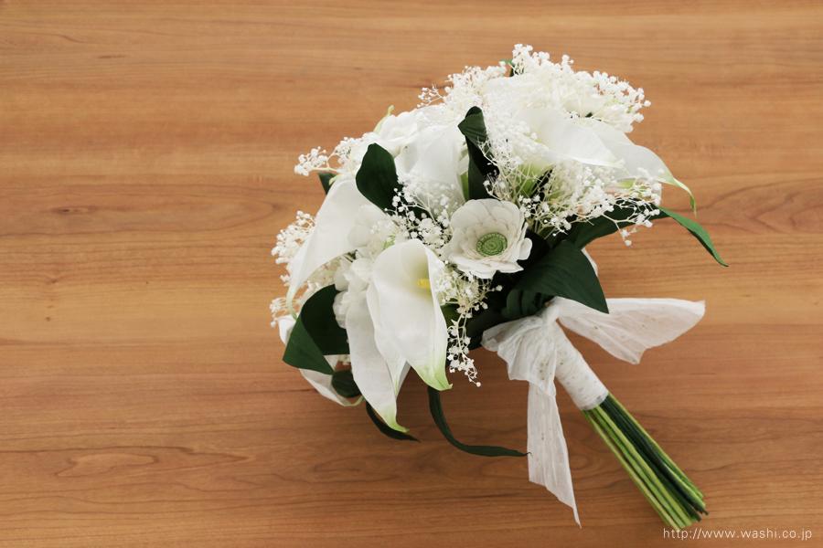 結婚記念日ペーパーフラワー|白いカラーとガーベラの和紙製ブーケ・花束(斜め下)