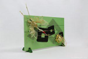 結納品リメイク|落ち着いたグリーン色が目を惹くアートボード(立て掛け)