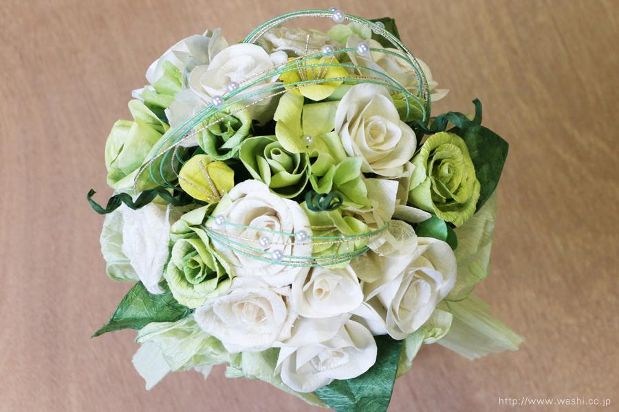 ホワイト・グリーン系バラの和紙ブーケ・花束(紙婚式ペーパーフラワー)真上
