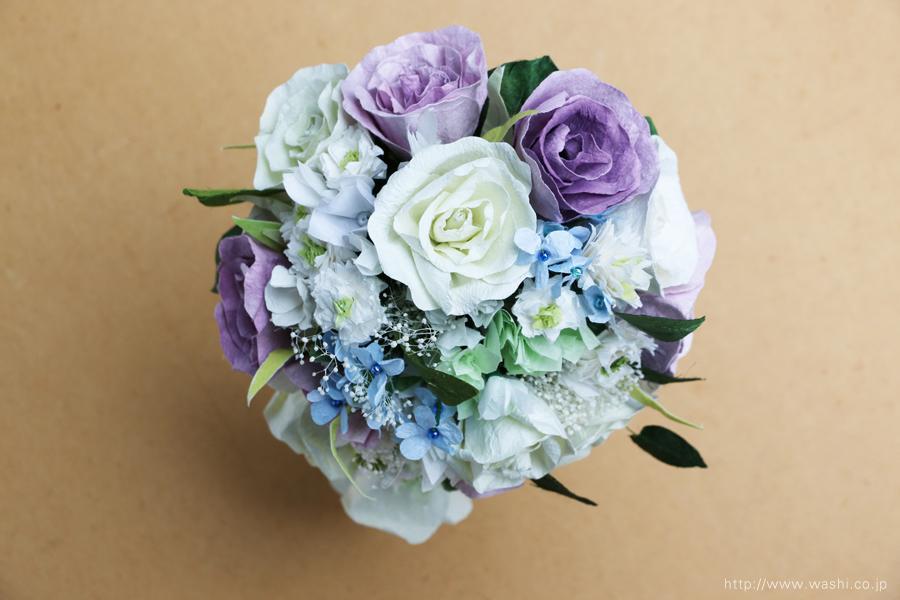 白と紫バラの和紙ブーケ・花束(紙婚式ペーパーフラワー)真上