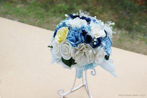 シンデレライメージの和紙ブーケ・花束(紙婚式ペーパーフラワー)上からの写真