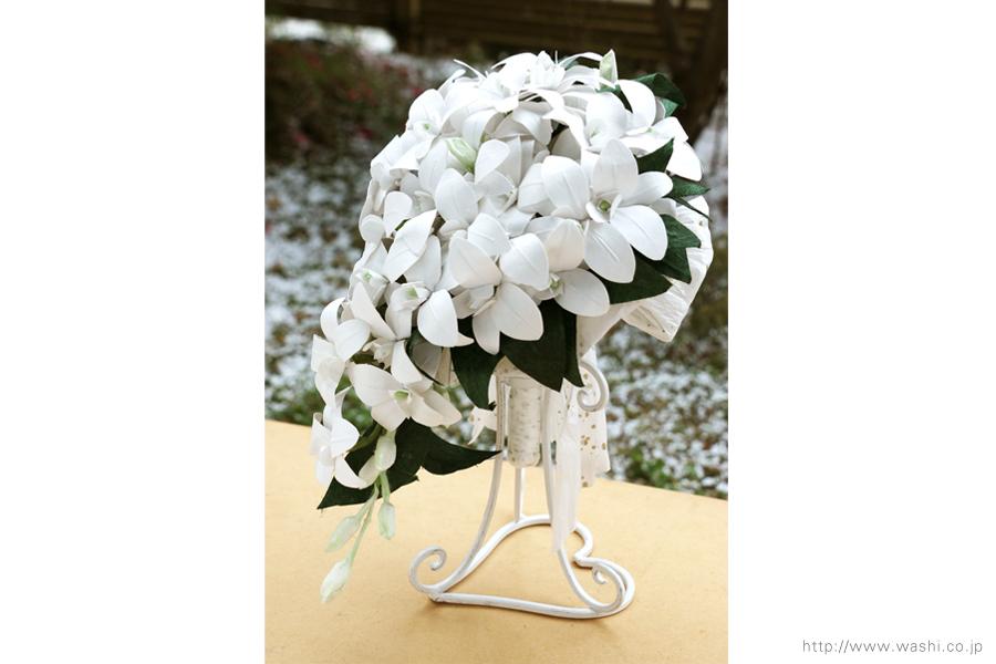 白いデンファレの和紙ブーケ・花束(紙婚式ペーパーフラワー)横からの写真