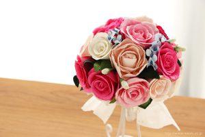 ピンク系のバラと、青い小花の和紙ブーケ(紙婚式ペーパーフラワー)正面