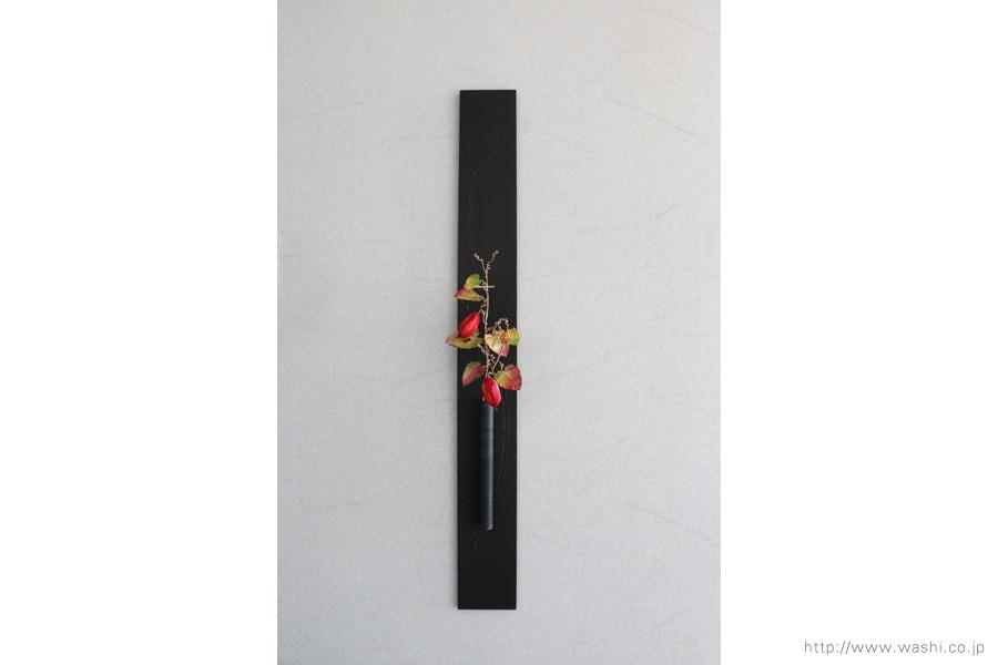 壁掛け花器(和紙のカラスウリと一輪挿し和紙インテリアアートパネル)正面から