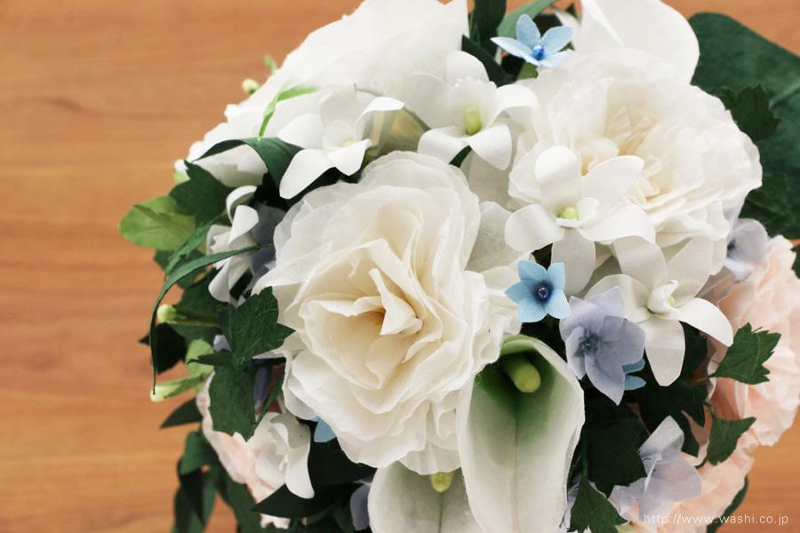 淡いピンクと白いトルコ桔梗の和紙ブーケ・花束(紙婚式ペーパーフラワー)上から