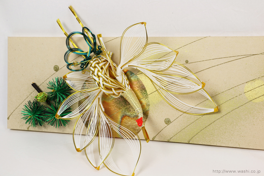 結婚披露宴の高砂メインテーブル装飾としても使われた結納水引リメイクパネル(東京都M様)鶴の水引飾りアップ