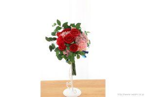 深紅のバラとライスフラワー、トルコ桔梗の和紙ブーケ・花束(結婚1周年、紙婚式のペーパーフラワー)正面