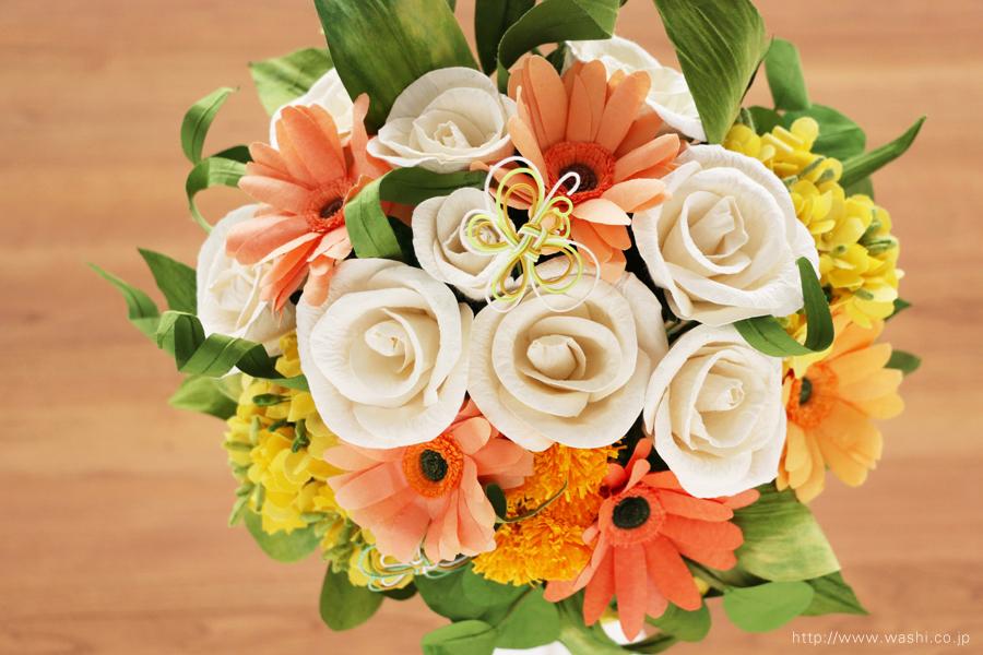 ガーベラ、菜の花、タンポポのビタミンカラー和紙ブーケ・花束(退職祝いのペーパーフラワー)真上
