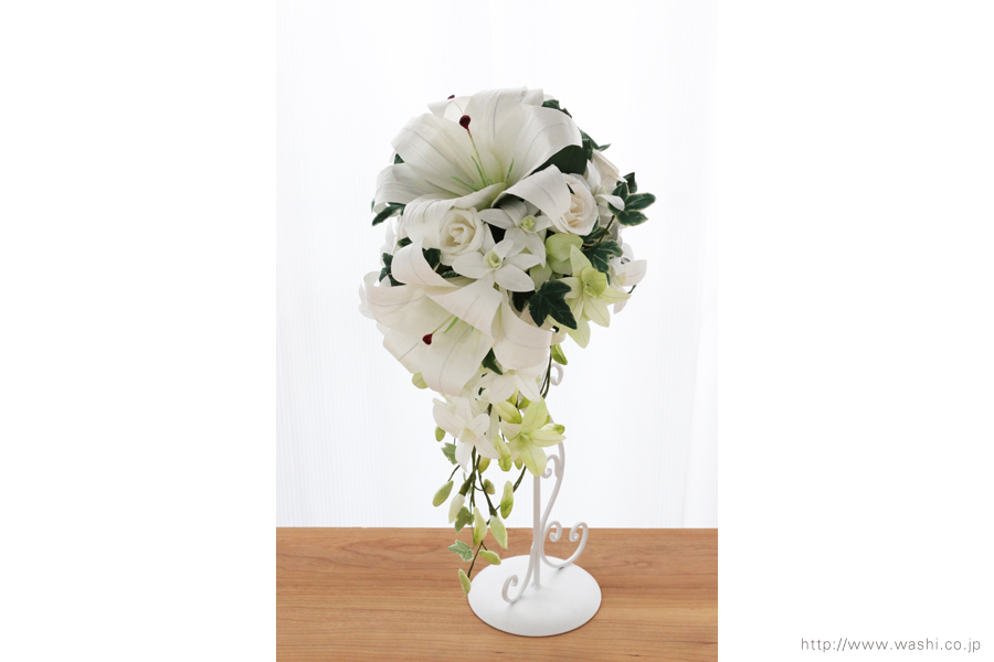紙婚式・結婚記念日ペーパーフラワー|カサブランカとデンファレの和紙製ブーケ・花束(やや斜め)