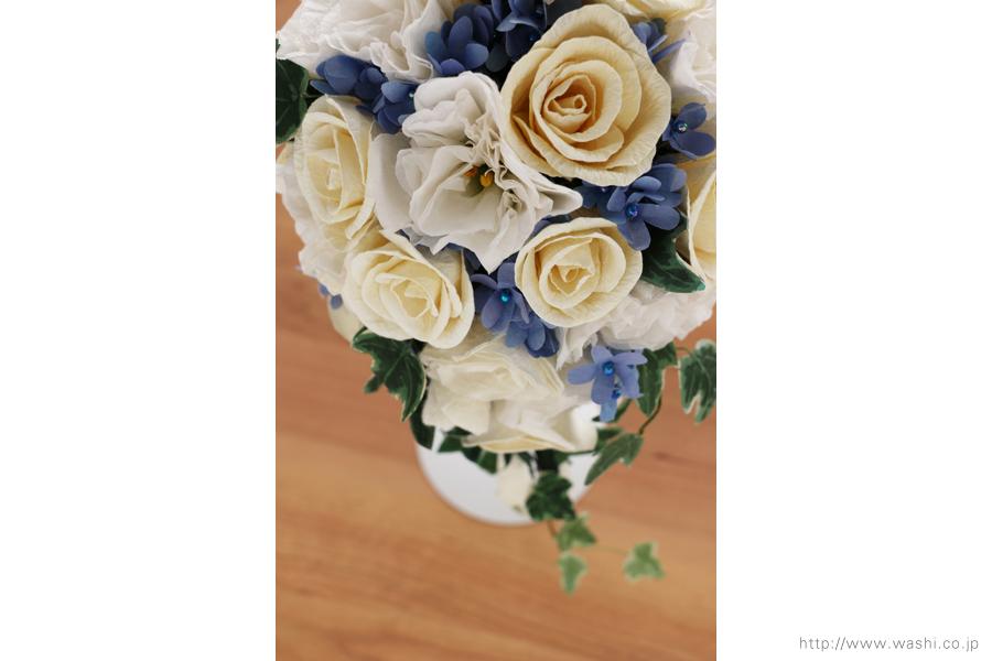 紙婚式ペーパーフラワー|トルコ桔梗とアイビーの和紙ブーケ・花束(斜め上)