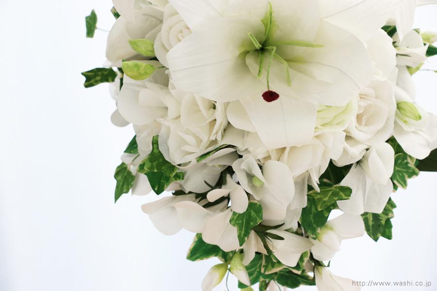 紙婚式ペーパーフラワー|結婚式の再現ブーケ・カサブランカとサマースイートピーの和紙の花束(アップ)