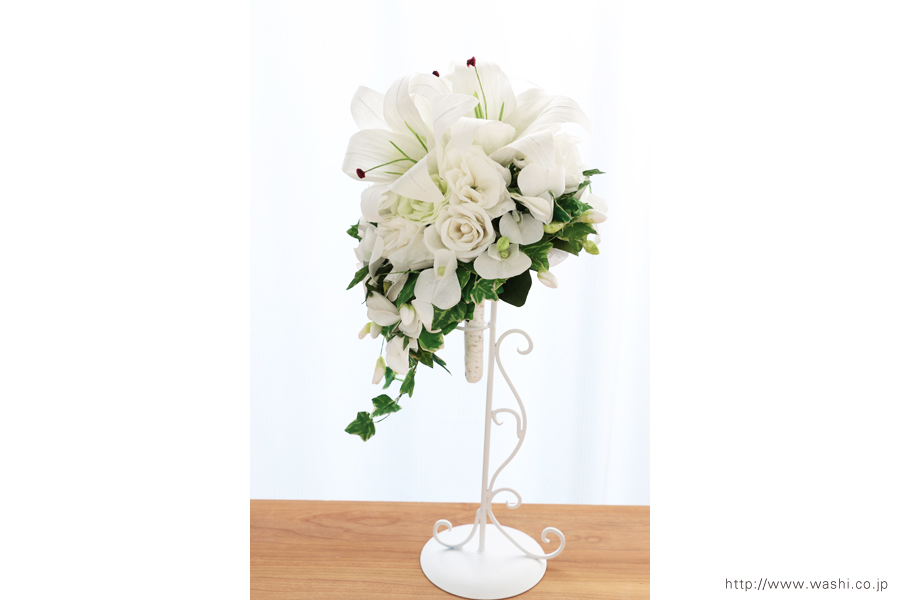 紙婚式ペーパーフラワー|結婚式の再現ブーケ・カサブランカとサマースイートピーの和紙の花束(右面)