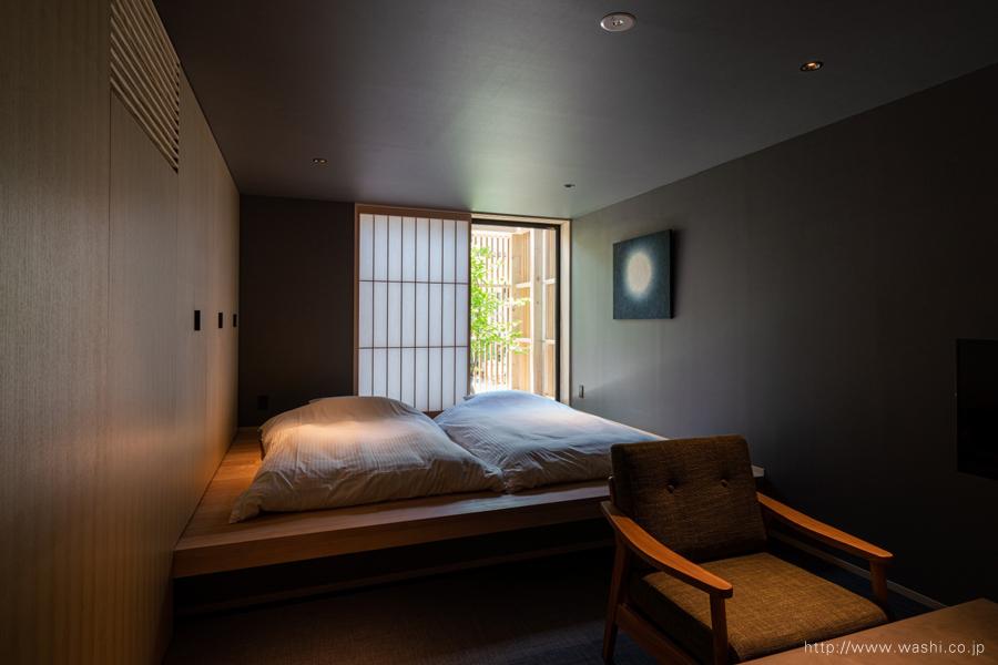 町屋旅館インテリアの和紙アートパネル 室内装飾- Wabi-Sabi Washi wall Art Panel(月柄)