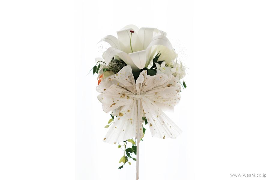 和紙の花ブライダルウェディングブーケ|結婚式用のカサブランカとデンファレのペーパーフラワー(真後)