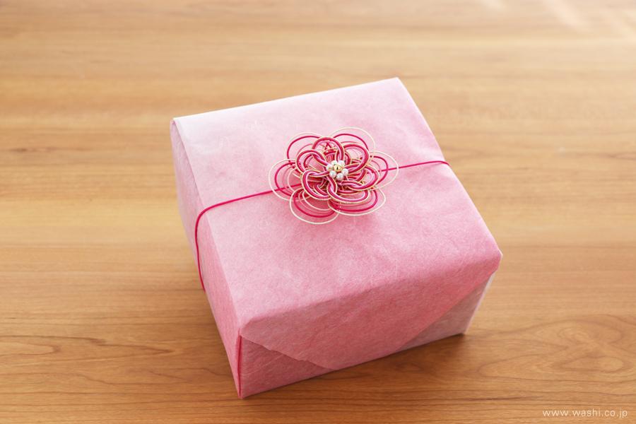 和紙の花のフラワーボックス(昇進祝いのオーダーメイドプレゼント)水引ラッピング