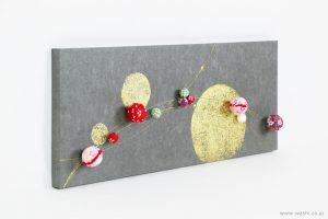 ちりめん玉飾りと鶴亀の結納品リメイクアートパネル(斜めアングル)