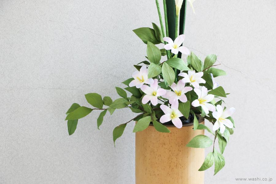 一般住宅の床の間 和紙の花の生け込み・装花インテリアフラワー(2)